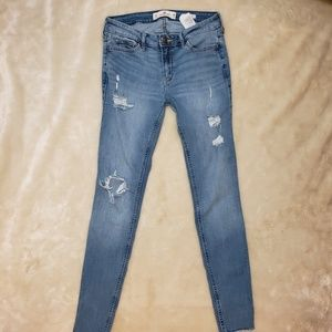 Hollister deconstructed ankle jeans size 7
